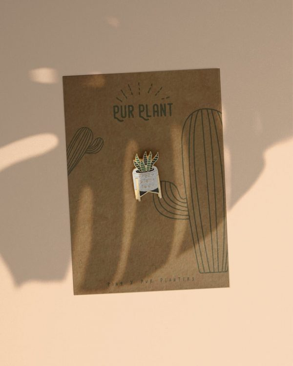 pin-crazy-plant-lady-blanco-sombra